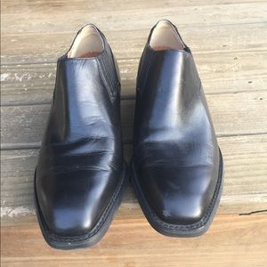 Ariat Shoes - Ariat size 7.5 In Great used condition